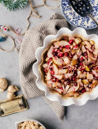 A beautiful holiday cranberry ginger pear pie with tender pears, tart cranberries and spicy ginger that warms you up on those cold winter days!