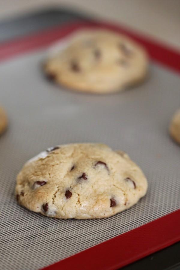 Samoa_Stuffed_Chocolate_Chip_Cookies_