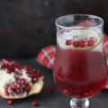 Ring in the holiday season with these pomegranate sparklers!