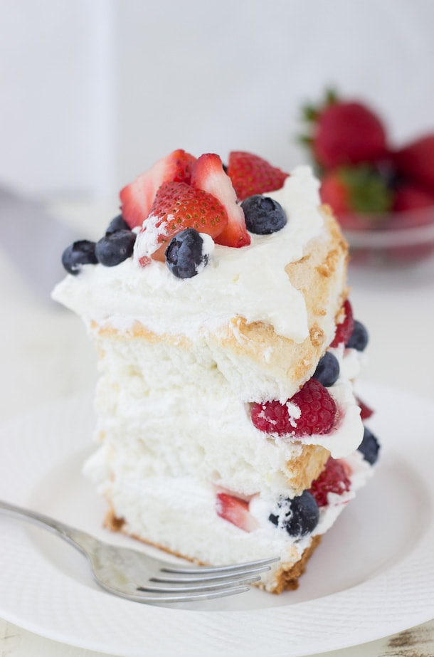 Angel Food Cake And Berries Recipes