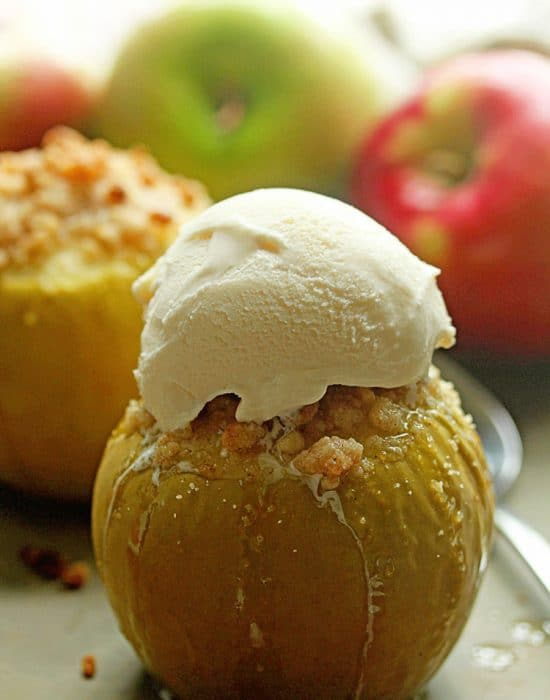 Baked Crumble Apples