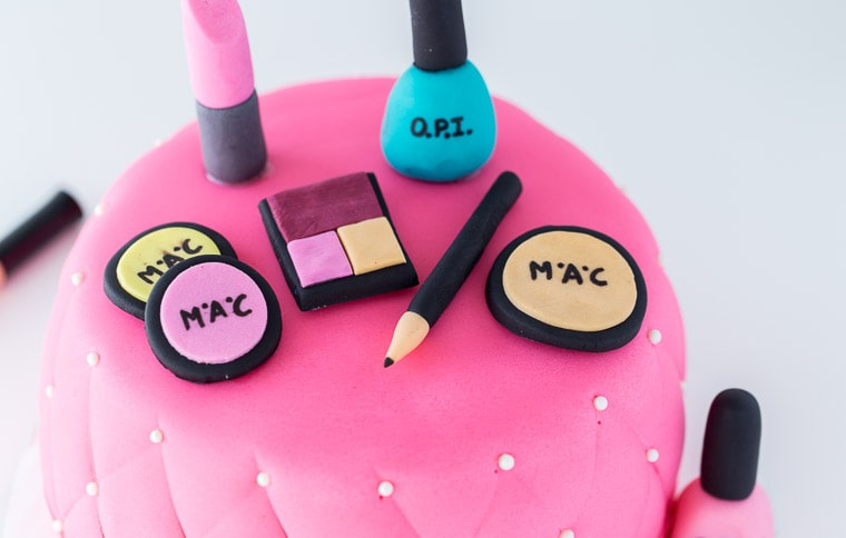An easy, beautiful and chic Makeup Cake with step-by-step directions.