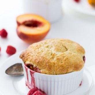 peach raspberry cobbler