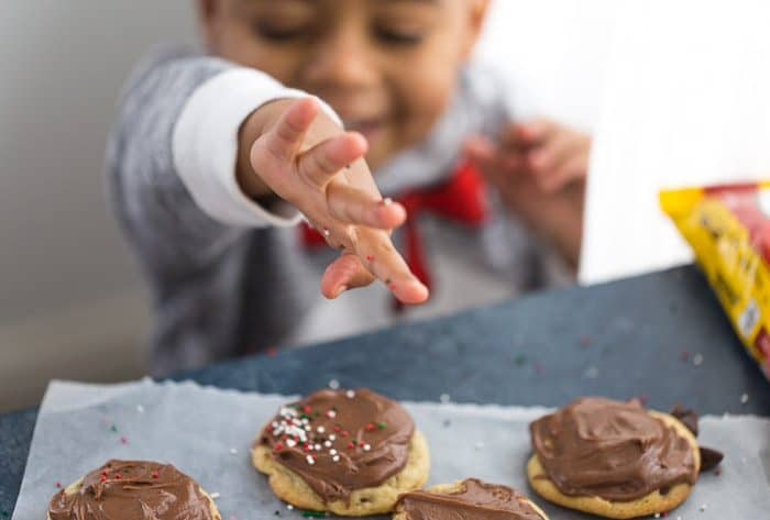 chocolate chip cookies with chocolate frosting