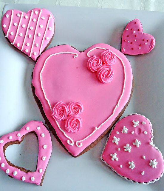 Valentine's Day is all about chocolate and hearts, so we've created a recipe for delicious and easy to make rolled chocolate heart cookies. Get it on BlahnikBaker.com