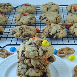 Peanut Butter Chocolate Chip Pretzel Cookies