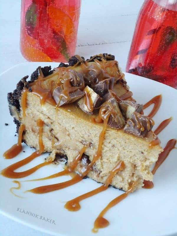 snickers peanut butter cheesecake