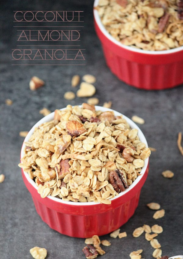 Crunchy, hearty and delicious coconut almond granola to start off the year on the right foot!