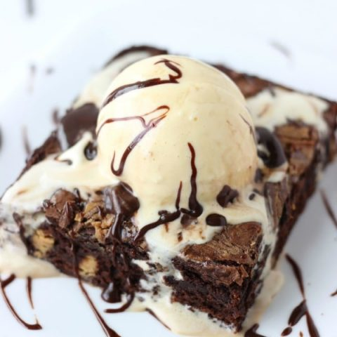 hot fudge peanut butter swirl brownie sundae