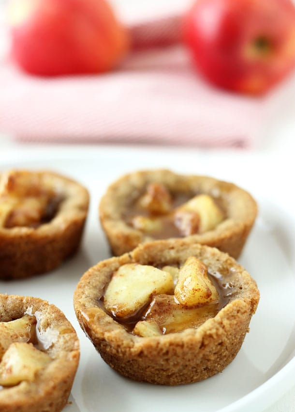 Caramel Apple Pie Cookie Cups - it's a cookie and an apple pie!