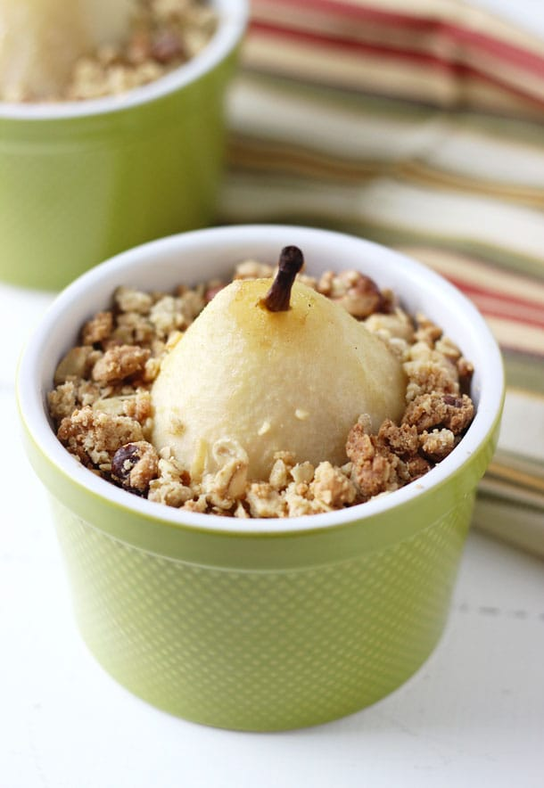 Poached in spiced cider and white wine, this beautiful pear crumble is an absolute easy and satisfying winter dessert!