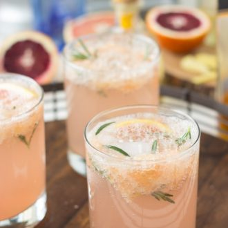 Sparkling Grapefruit Cocktails - Get Recipes for 2 delicious brunch cocktails on BlahnikBaker.com