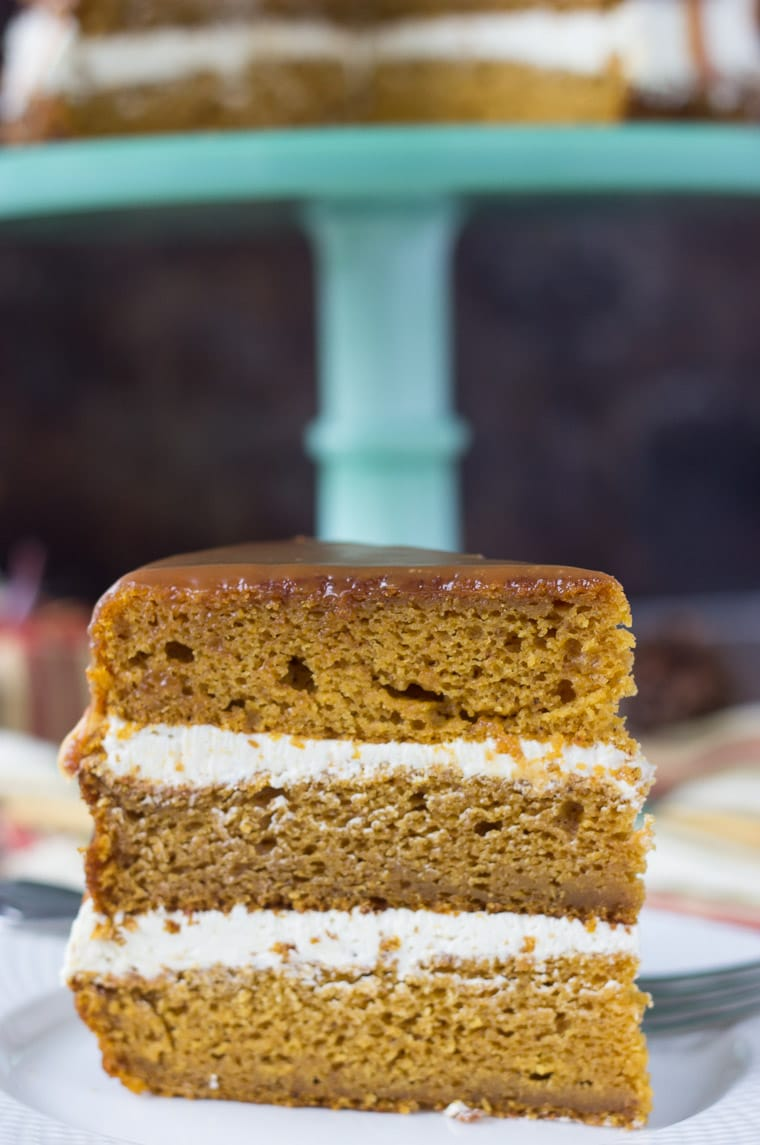 A naked Pumpkin Cake with Caramel Buttercream for your Thanksgiving!