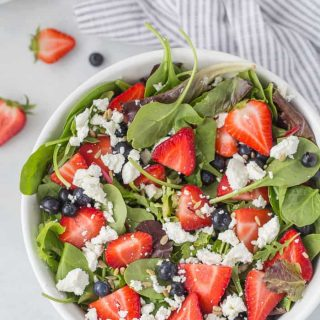 Mixed Berry Salad with Goat Cheese and Balsamic Vinegar