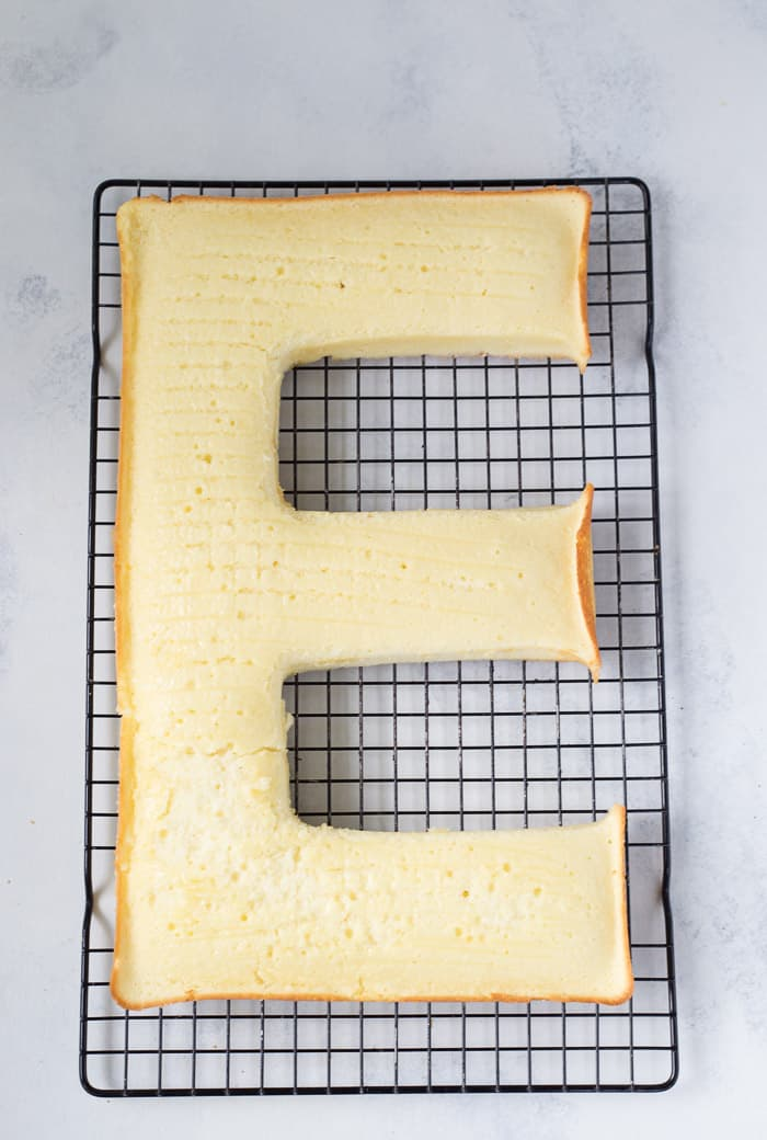 How to Make a Letter Cake
