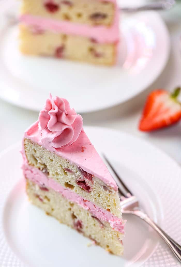 Fresh Strawberry Cake with Strawberry Frosting