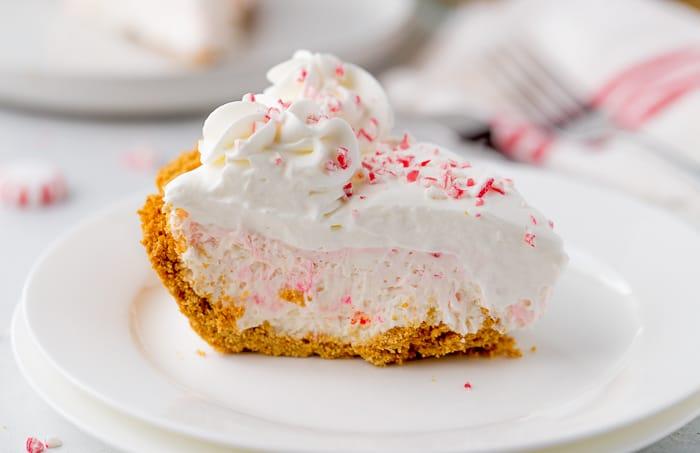 No-Bake Peppermint White Chocolate Pie